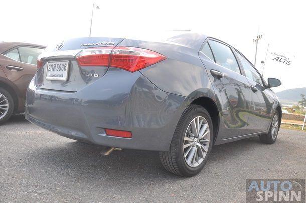 2014-Toyota-Altis-GroupTest-Pon_063