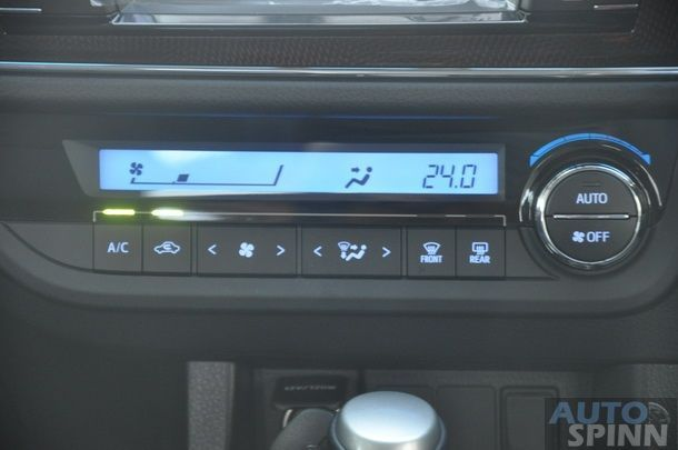 2014-Toyota-Altis-GroupTest-Pon_103