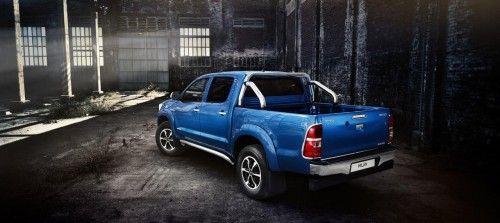 2014-Toyota-Hilux-Invincible_08