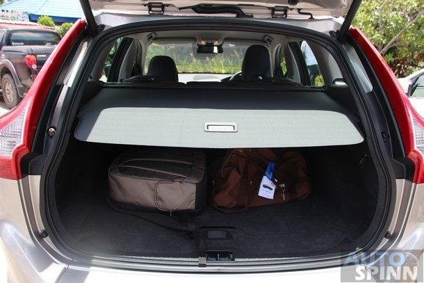 2014-Volvo-XC60-D4-GroupTest11