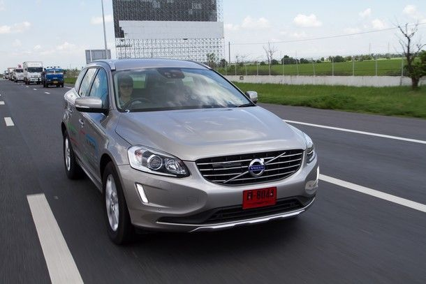 2014-Volvo-XC60-D4-GroupTest38
