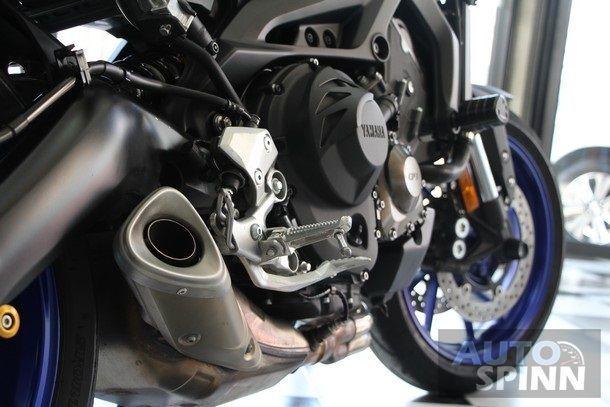 2014-Yamaha-FZ-09-TestRide59