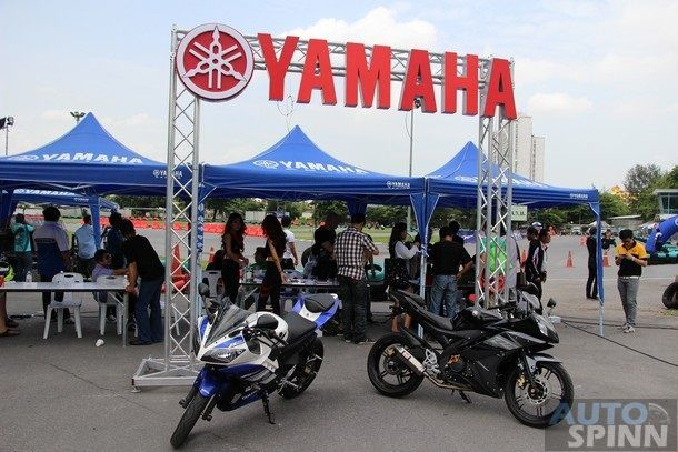 2014-Yamaha-R15-Launch26