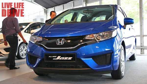 https://img.icarcdn.com/autospinn/body/2014-all-new-honda-jazz-launch-event-71.jpg