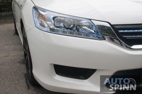 2014_Honda_Accord_Hybrid_04