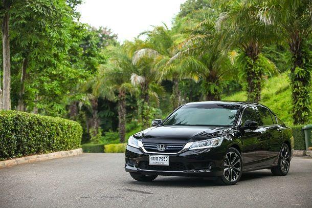 2014_Honda_Accord_Hybrid_Cover