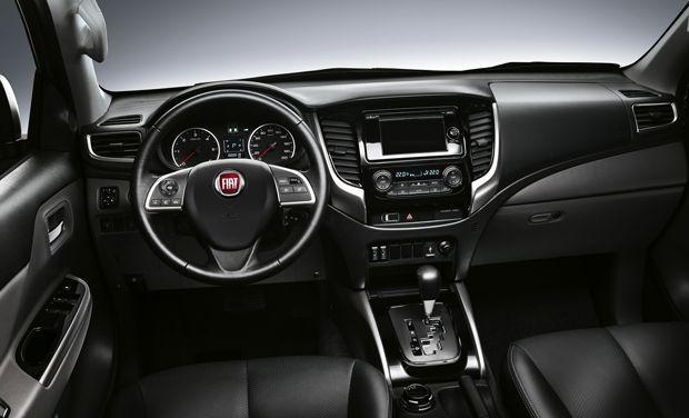 https://img.icarcdn.com/autospinn/body/2015-FiatFullback-02.jpg