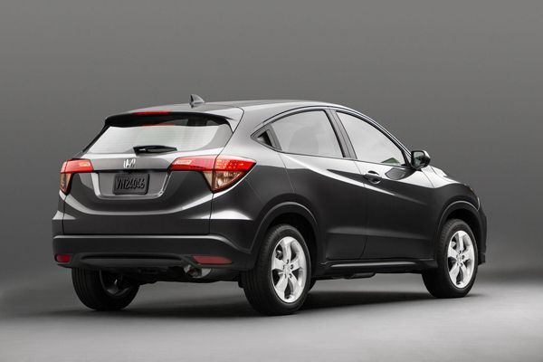 https://img.icarcdn.com/autospinn/body/2015-Honda-HR-V-2.jpg