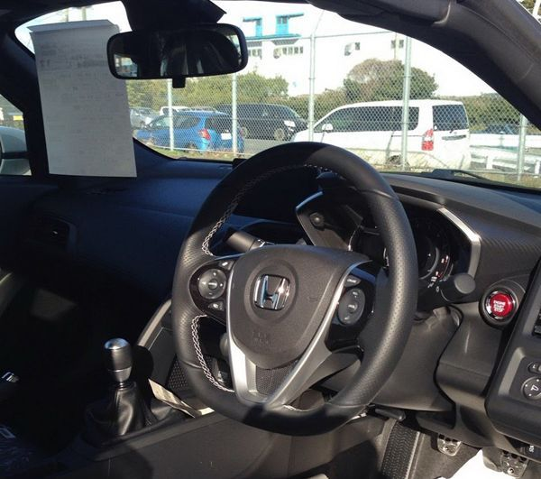 https://img.icarcdn.com/autospinn/body/2015-Honda-S6605.jpg