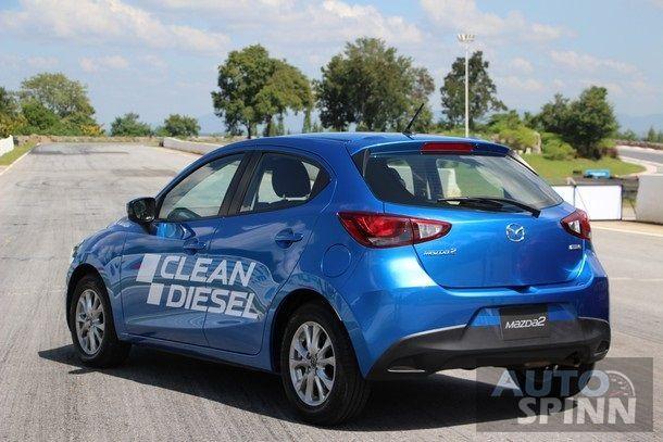 2015-Mazda2-Skyactiv-EcoCar-Test-Bonanza10
