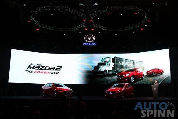 2015-Mazda2-Skyactiv29