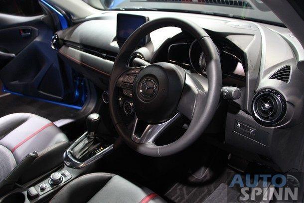 2015-Mazda2-Skyactiv68
