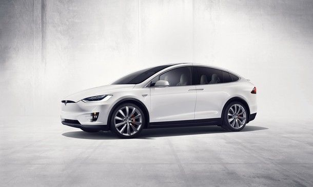 2015-Tesla-Spotify-05