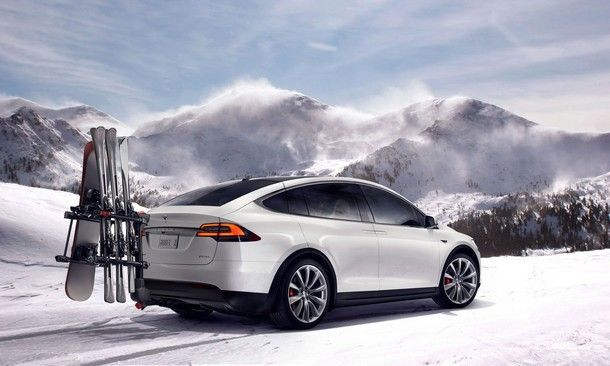 2015-Tesla-Spotify-08