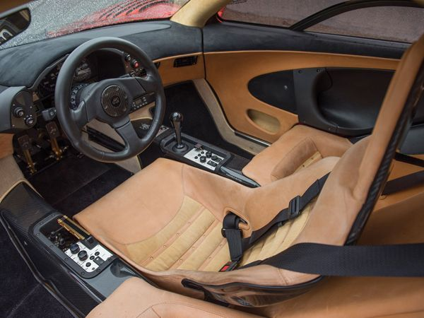 https://img.icarcdn.com/autospinn/body/2015-mclaren-f1-lm-spec-auction-3.jpg