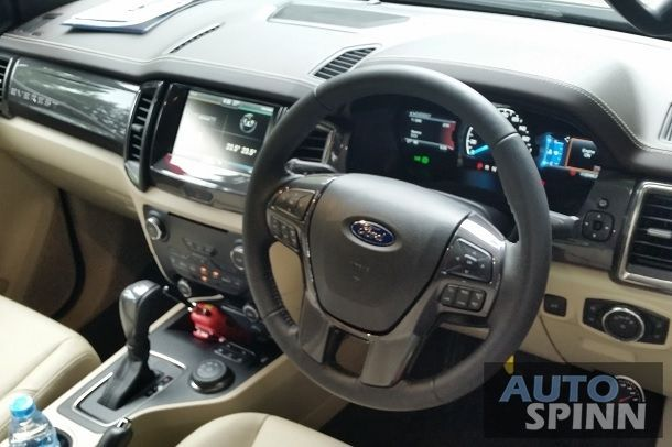 2015_Ford_Everest_Interior