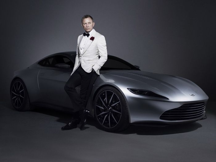 https://img.icarcdn.com/autospinn/body/2016-AstonMartinDB10-04.jpg