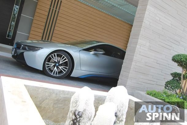2016 BMW i8 - 10