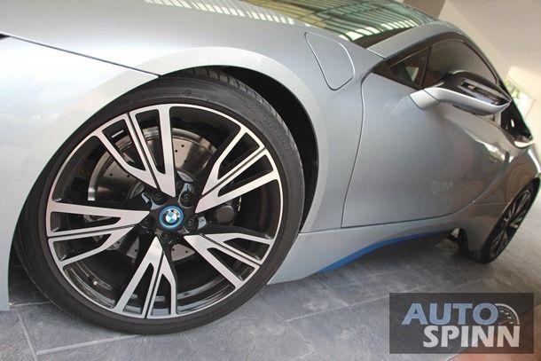 2016 BMW i8 - 12