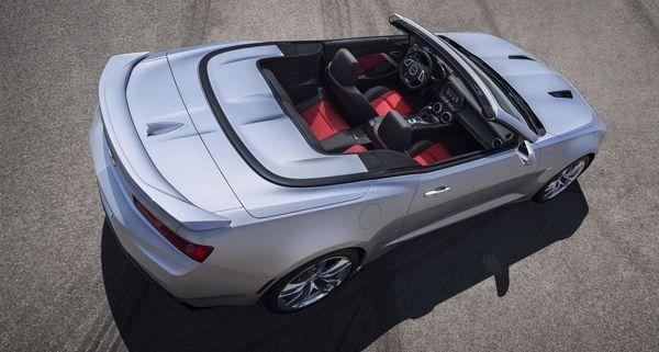https://img.icarcdn.com/autospinn/body/2016-Chevrolet-Camaro-Convertible-00001-r.jpg