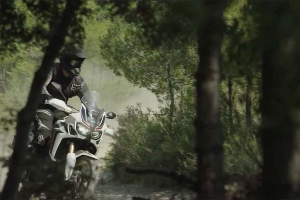 2016-Honda-CRF1000L-Africa-Twin-video-leak-18