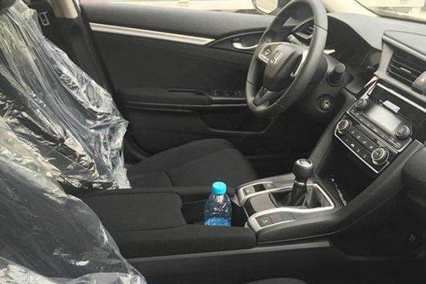https://img.icarcdn.com/autospinn/body/2016-Honda-Civic-180Turbo-China-6.jpg