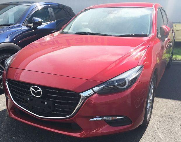 https://img.icarcdn.com/autospinn/body/2016-Mazda-3-facelift-spyshots-2.jpg