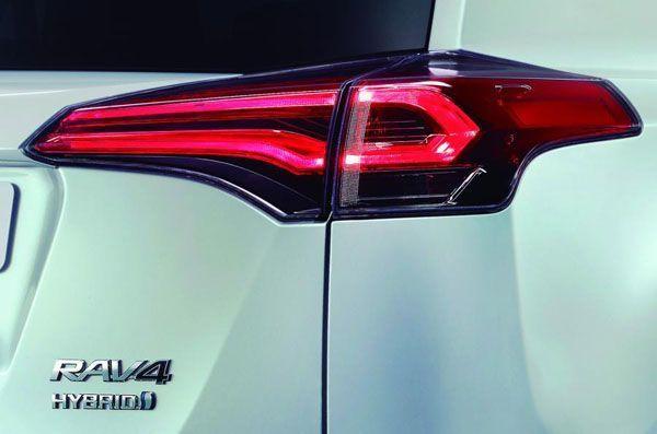 https://img.icarcdn.com/autospinn/body/2016-Toyota-RAV4-1.jpg
