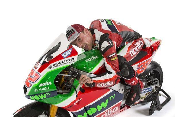 2017-Aprilia-RS-GP-MotoGP-Aleix-Espargaro-Sam-Lowes-10