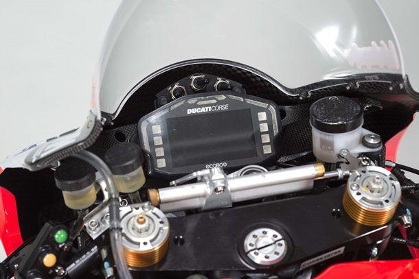 2017-Aruba-WorldSBK-Ducati-Corse-Panigale-R-Marco-Melandri-Chaz-Davies-12