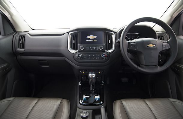 2017 Chevrolet Colorado High Country_interior 1