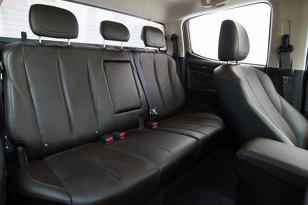 2017 Chevrolet Colorado High Country_interior 6