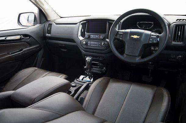 2017 Chevrolet Colorado High Country_interior 7