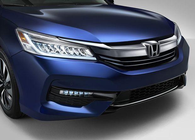 https://img.icarcdn.com/autospinn/body/2017-Honda-Accord-Hybrid-4-850x611.jpg