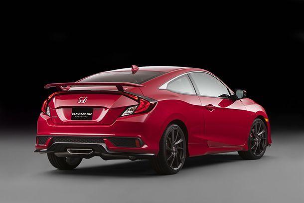 https://img.icarcdn.com/autospinn/body/2017-Honda-Civic-Si-3.jpg