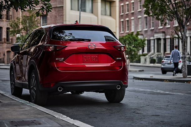 https://img.icarcdn.com/autospinn/body/2017-Mazda-CX-5-3.jpg