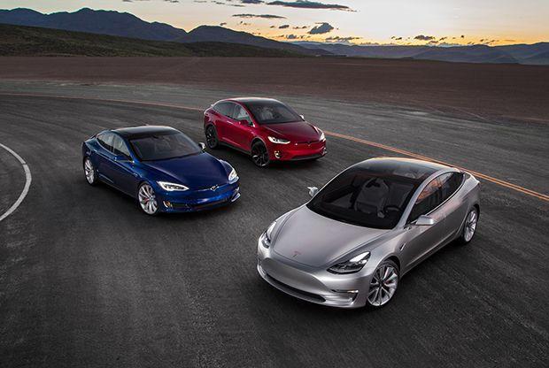 https://img.icarcdn.com/autospinn/body/2017-Tesla-Model-3-2016-Tesla-Model-X-Tesla-Model-S-front-three-quarter.jpg