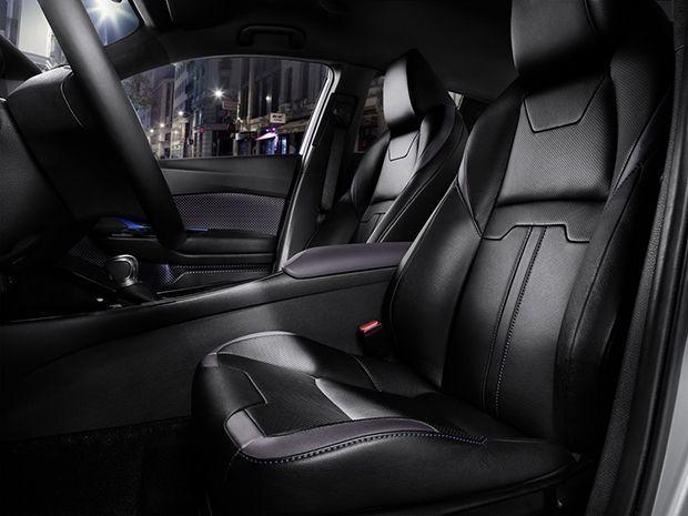 https://img.icarcdn.com/autospinn/body/2017-Toyota-C-HR-9carscoops.jpg
