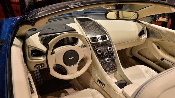 2017-aston-martin-vanquish-s-volante (4)