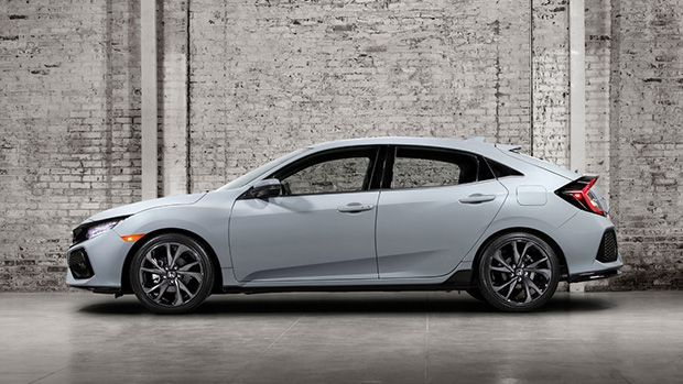 https://img.icarcdn.com/autospinn/body/2017-honda-civic-hatchback-coming-to-the-us-this-fall-1.jpg