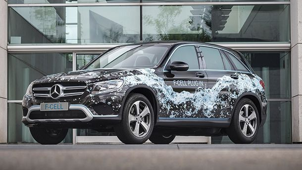 https://img.icarcdn.com/autospinn/body/2017-mercedes-glc-f-cell.jpg