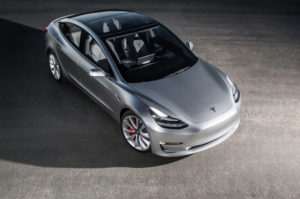 https://img.icarcdn.com/autospinn/body/2017-tesla-model-3-top-view.jpg