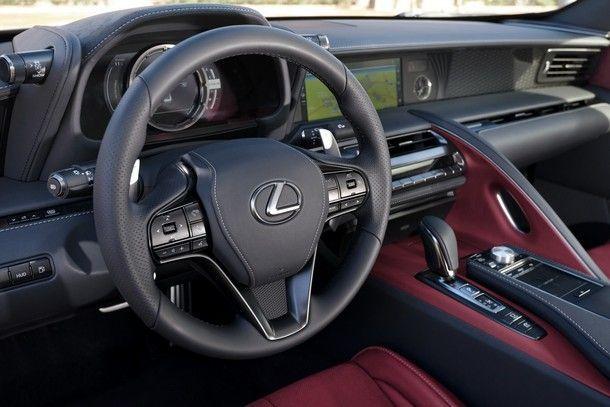 2017_Lexus_LC500h_05