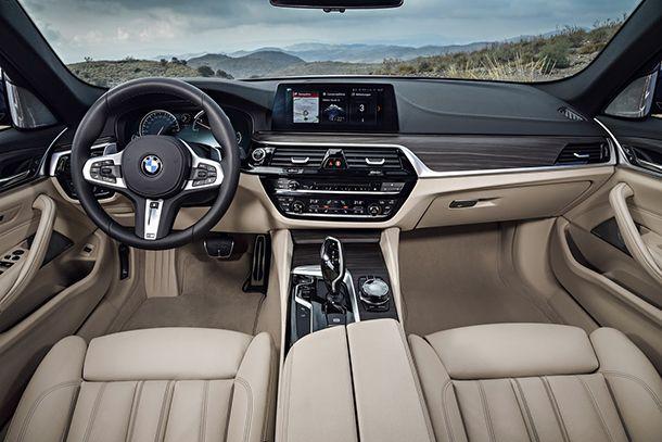 https://img.icarcdn.com/autospinn/body/2018-BMW-5-Series-Touring-47.jpg