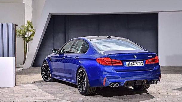 https://img.icarcdn.com/autospinn/body/2018-BMW-M5-7.jpg