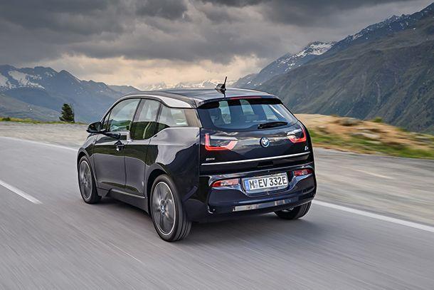 https://img.icarcdn.com/autospinn/body/2018-BMW-i3-21.jpg