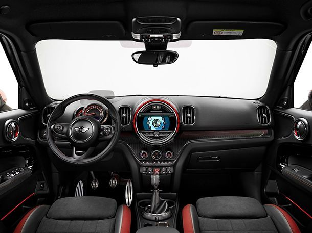 https://img.icarcdn.com/autospinn/body/2018-MINI-Countryman-JCW-3.jpg