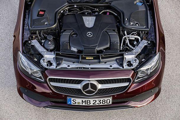 https://img.icarcdn.com/autospinn/body/2018-Mercedes-E-Class-Convertible-66.jpg