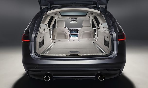 https://img.icarcdn.com/autospinn/body/2018-jaguar-xf-sportbrake-27.jpg