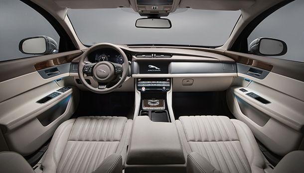 https://img.icarcdn.com/autospinn/body/2018-jaguar-xf-sportbrake-39.jpg